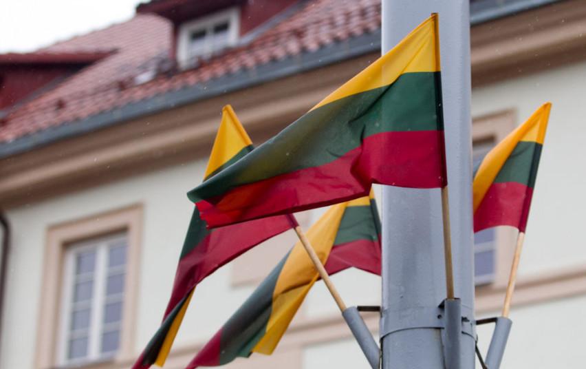 Lietuvoje paskelbtas karantinas, stabdomas judėjimas į užsienio šalis