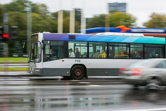 LSS kreipėsi į savivaldybes dėl viešojo transporto lengvatų ištęstinių studijų studentams